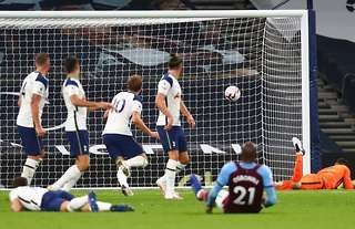 Tottenham threw away a three-goal lead against West Ham