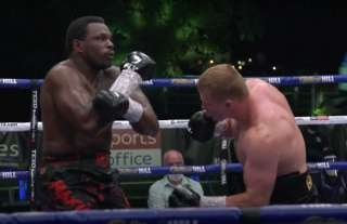 Dillian Whyte being put to sleep by Alexander Povetkin