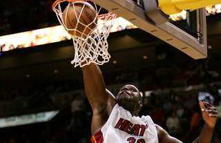 Shaquille O'Neal nets a point for Miami Heat