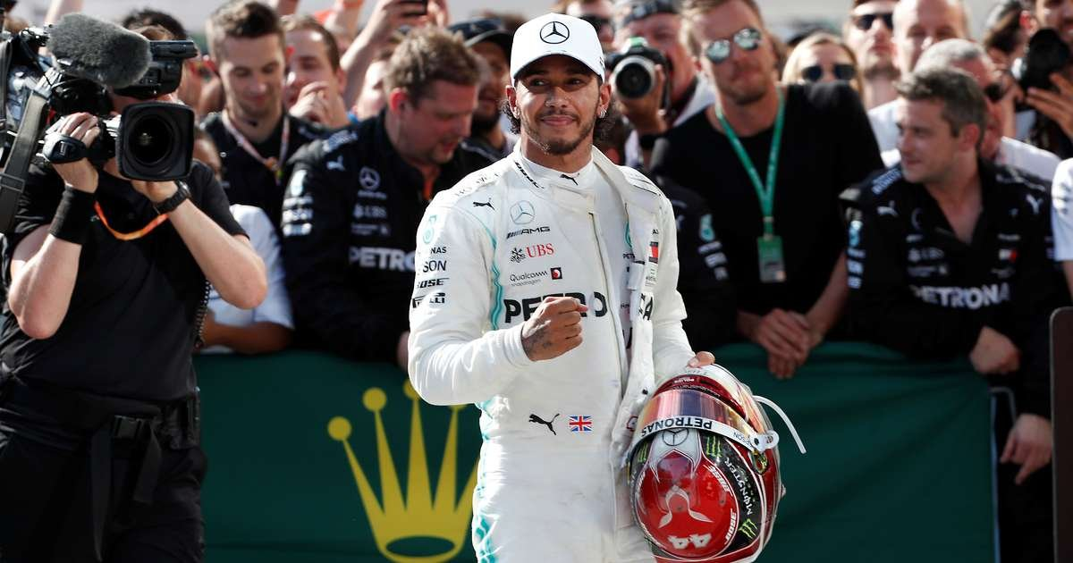 Mercedes refuse to comment on reports suggesting Hamilton will only be offered one-year deal