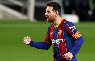 Lionel Messi flicks the ball over defenders for fun