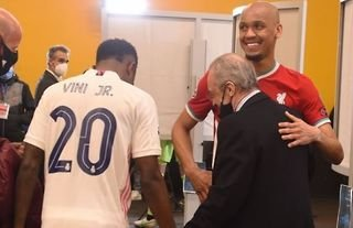 Fabinho and Vinicius chat with Florentino Perez after Real Madrid 3-1 Liverpool
