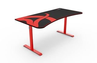 The Arozzi Arena is one of the best 5 gaming desks of 2021