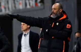 Wolves manager Nuno Espirito Santo instructing his players against Fulham