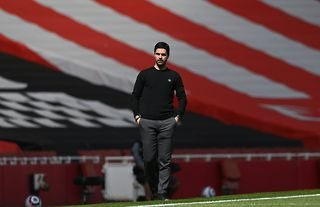 Mikel Arteta watches on as Arsenal draw with Fulham at the Emirates