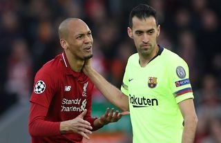 Sergio Busquets playing for Barcelona vs Liverpool