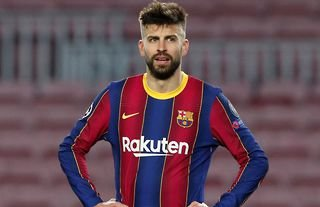 Gerard Pique tweeted after Kroos and Zidane confronted the officials