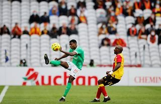 Lens attacker and Crystal Palace target Gael Kakuta in Ligue 1 action