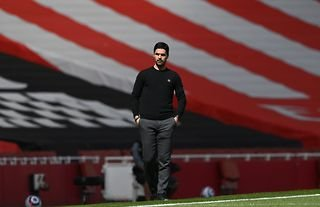 Arsenal's Mikel Arteta on the sidelines as reports emerge about the dressing room atmosphere