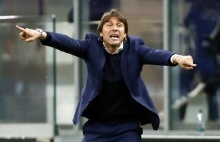 Inter Milan manager and Tottenham target Antonio Conte giving instructions
