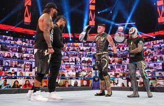 Usos and Mysterios