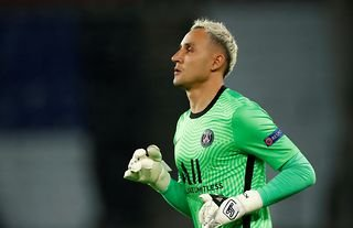 Keylor Navas in action for PSG amid speculation over a move to Man United