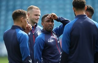 Jermain Defoe warms up for Rangers at Rugby Park
