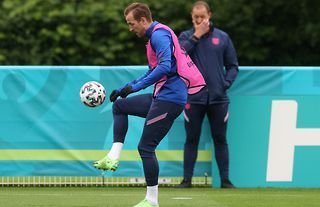 Harry Kane in training for England amid speculation over his future at Tottenham
