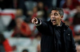 Wolves manager Bruno Lage barking out instructions during his time at Benfica