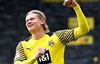 Erling Haaland in action for Borussia Dortmund amid speculation over a move to Chelsea