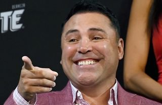 Here's everything you need to know about Oscar De La Hoya vs Vitor Belfort