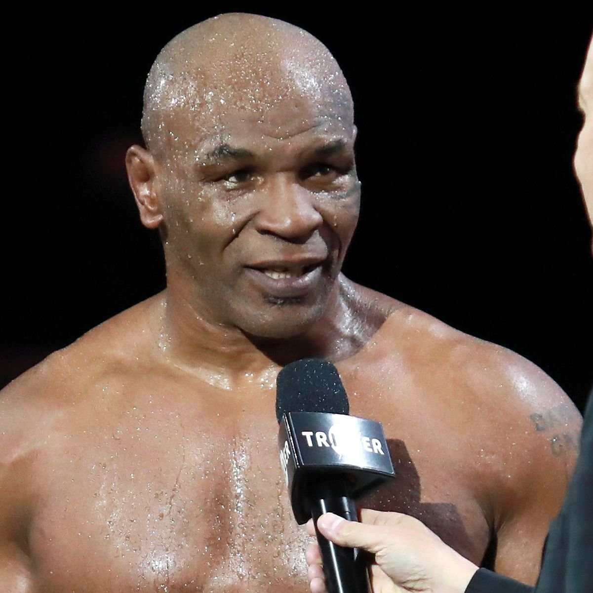 Jake Paul Vs Tyron Woodley Mike Tyson Gives His Prediction Givemesport