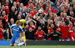 Fernando Torres misses a glorious chance for Chelsea against Manchester United