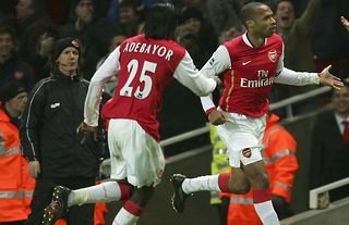 Thierry Henry celebrates for Arsenal vs Man United in 2007