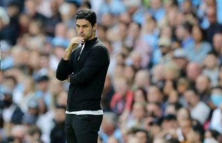 Arsenal manager Mikel Arteta looking concerned