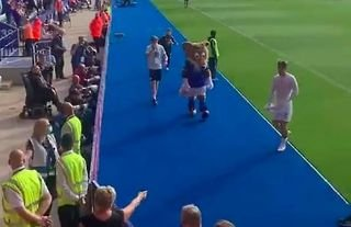 Leicester's mascot went full savage...