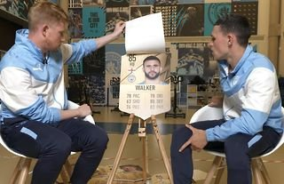 Kevin De Bruyne and Phil Foden's brilliant reaction to Kyle Walker's FIFA 22 rating