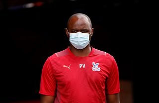 Crystal Palace manager Patrick Vieira wearing a mask