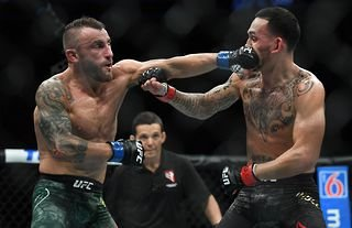 What happened the first time Alexander Volkanovski and Max Holloway fought?